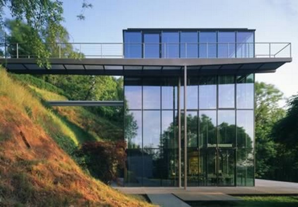 modern glass house 05 Top 10 Modern Dream Houses Made of Glass
