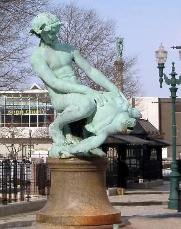 strangest statues in the world 10 Top 10 Weirdest Statues Ever Found