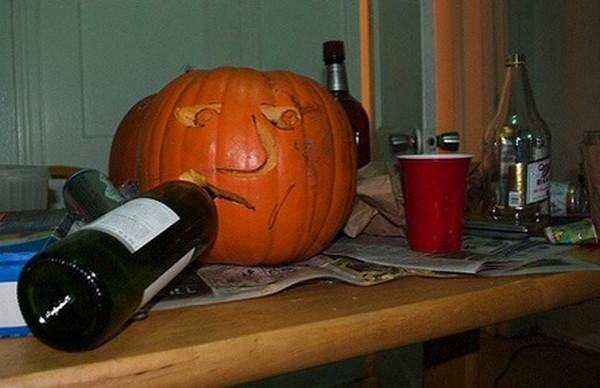 drunk pumpkins 15 Pumpkins + Alcohol = Not Feeling So Good