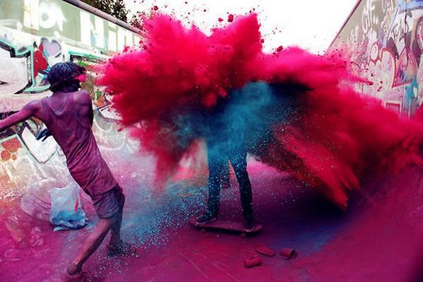 paint war in berlin 13 Paint War in Berlin: Explosions of Race & Color