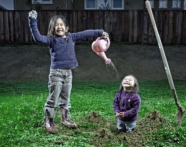 creative dad takes crazy photos of daughters 05 Creative Dad Takes Crazy Photos Of Daughters