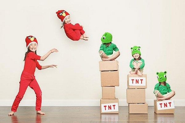 creative dad takes crazy photos of daughters 08 Creative Dad Takes Crazy Photos Of Daughters
