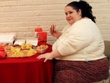 Weird News: Woman Wants to be World's Fattest