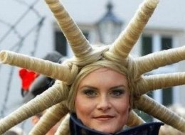 30 Weird & Crazy Hairstyles Photos