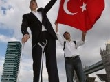 "Meet Sultan Kosen From Turkey – The World's Tallest Man 8'1""(2.47 meter)"