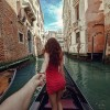 Photographer Follows His Girlfriend Around The World